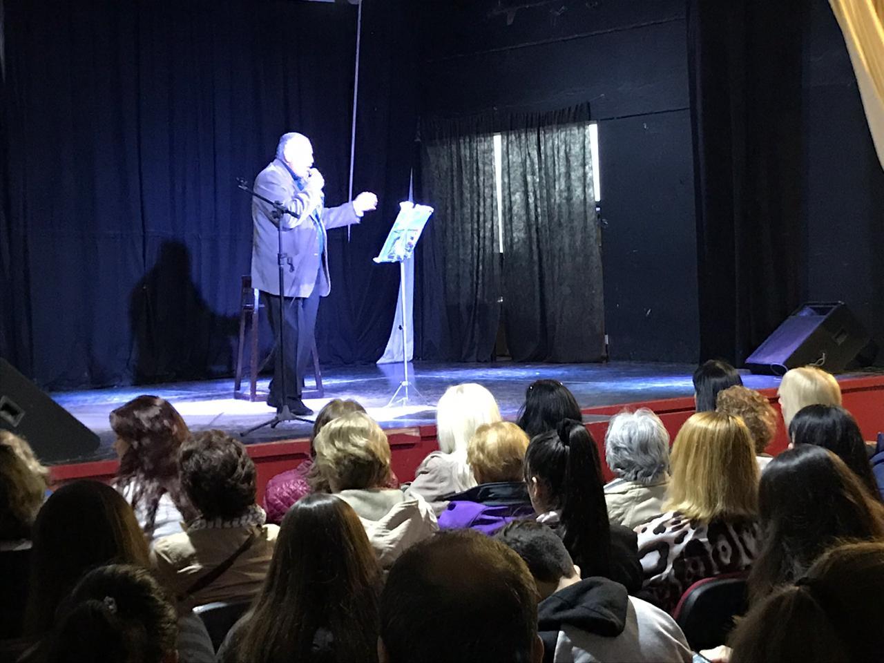 El viernes 14 de junio se desarrolló la etapa local de los Juegos Bonaerenses del área de Cultura. La jornada se desarrolló a partir de las 9hs en la Escuela Municipal de Bellas Artes y culminó pasadas las 16 hs; solamente la disciplina Teatro se disputó en el Teatro Municipal Unión Ferroviaria.
