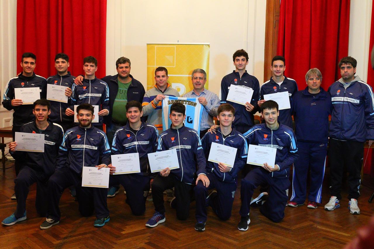 Se entregó este miércoles en el salón Luis Sued del Palacio Municipal un reconocimiento a los Campeones Provinciales de Básquet U19 del Club Argentino de Pergamino.