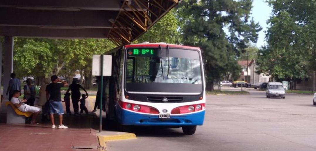 Los hechos sucedidos en el Conurbano bonaerense provocaron diversos operativos policiales que se vieron replicados en las líneas de transporte local. Los procedimientos se llevan en las líneas de La Nueva Perla.