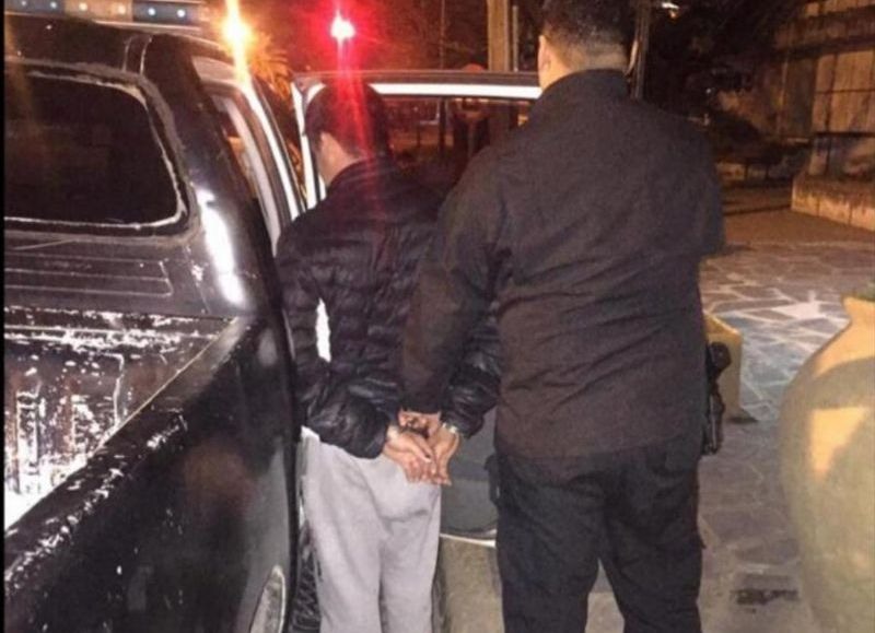 Un sujeto con pedido de captura fue detenido por el Grupo de Apoyo Departamental en la esquina de avenida San Martín e Irigoyen de la ciudad de Ramallo.