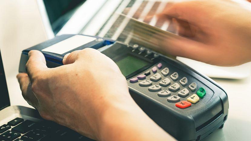 En el marco del programa Beneficios ANSeS, vigente desde el 17 de abril pasado, el organismo previsional ya adhirió a 5475 comercios de todo el país, quienes brindan descuentos de hasta el 25 % para compras realizadas con tarjeta de débito de la cuenta donde el beneficiario cobra sus haberes.
