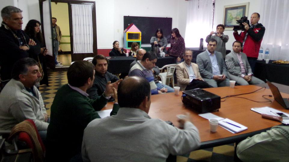 Directores provinciales del Ministerio de Seguridad y Secretarios de Seguridad de las localidades de Rojas, Junín, Lincoln, Chacabuco, Viamonte, Salto y Pergamino analizaron problemáticas comunes y compartieron estrategias de abordaje conjuntas.