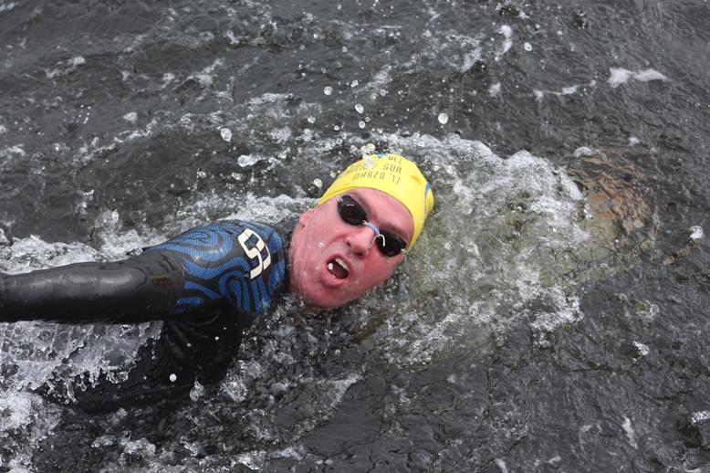 Días atrás se llevó a cabo en el Atlántico Sur un evento internacional de natación de 3 kilómetros en aguas abiertas del que participó el pergaminense Patricio D`Ottavio.