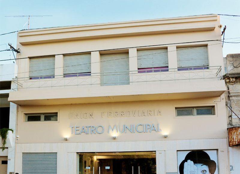 El Teatro Municipal Unión Ferroviaria es un crisol de artistas y eventos que nacen para llegar a las distintas personas del Partido de Pergamino que buscan consumir arte y cultura.