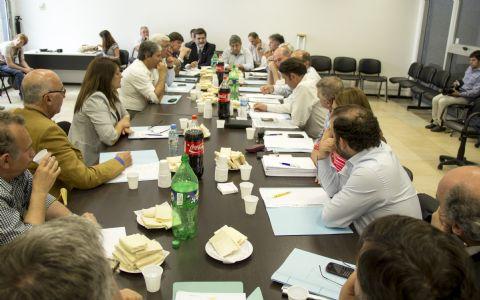 Intendentes y legisladores radicales se reunieron en Diputados.