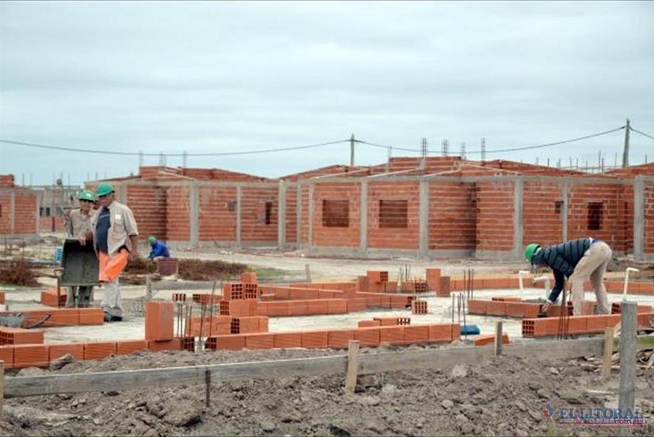 El concejal Cristian Settembrini presentó un proyecto dirigido al instituto de la Vivienda de la Provincia para plantear los problemas habitacionales de la ciudad.