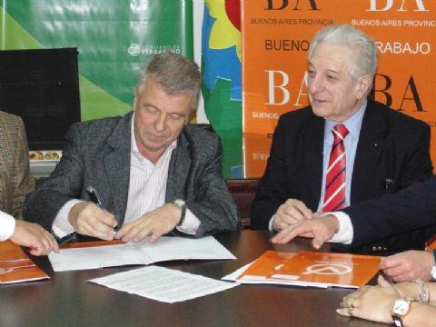Convenios del municipio con el Ministerio de Trabajo bonaerense. Omar Pacini y Oscar Cuartango.