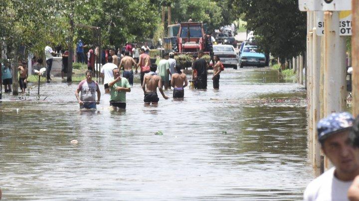 El intendente de Pergamino, Javier Martínez, informó que aún quedan más de 30 personas evacuadas tras las intensas lluvias que se registraron en la madrugada del miércoles.