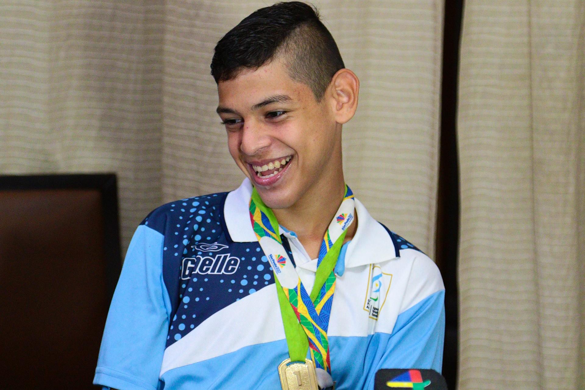 Con apenas 16 años, Alexis Chávez genera ilusión para el atletismo argentino en los 100 metros de la categoría T36, después de quedar primero en el ranking mundial del Comité Paralímpico Internacional y también llevarse la medalla de oro en el Open Internacional Loterías Caixa en suelo brasileño.