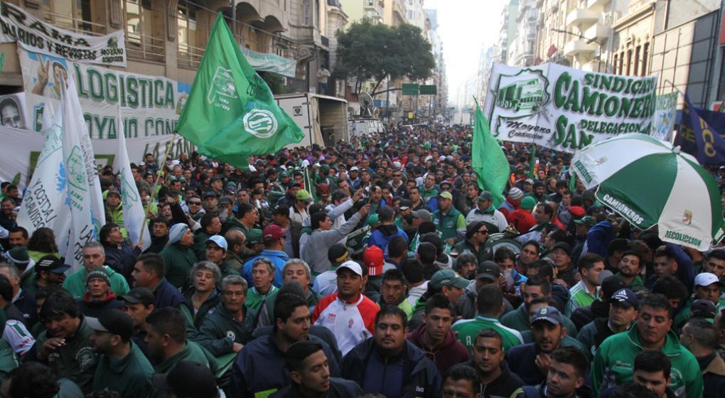 Son varios los grupos que saldrán desde la ciudad para marchar el 21 de febrero en la Capital Federal contra las medidas del Gobierno de Mauricio Macri. El común denominador de todos es el apoyo a los trabajadores.