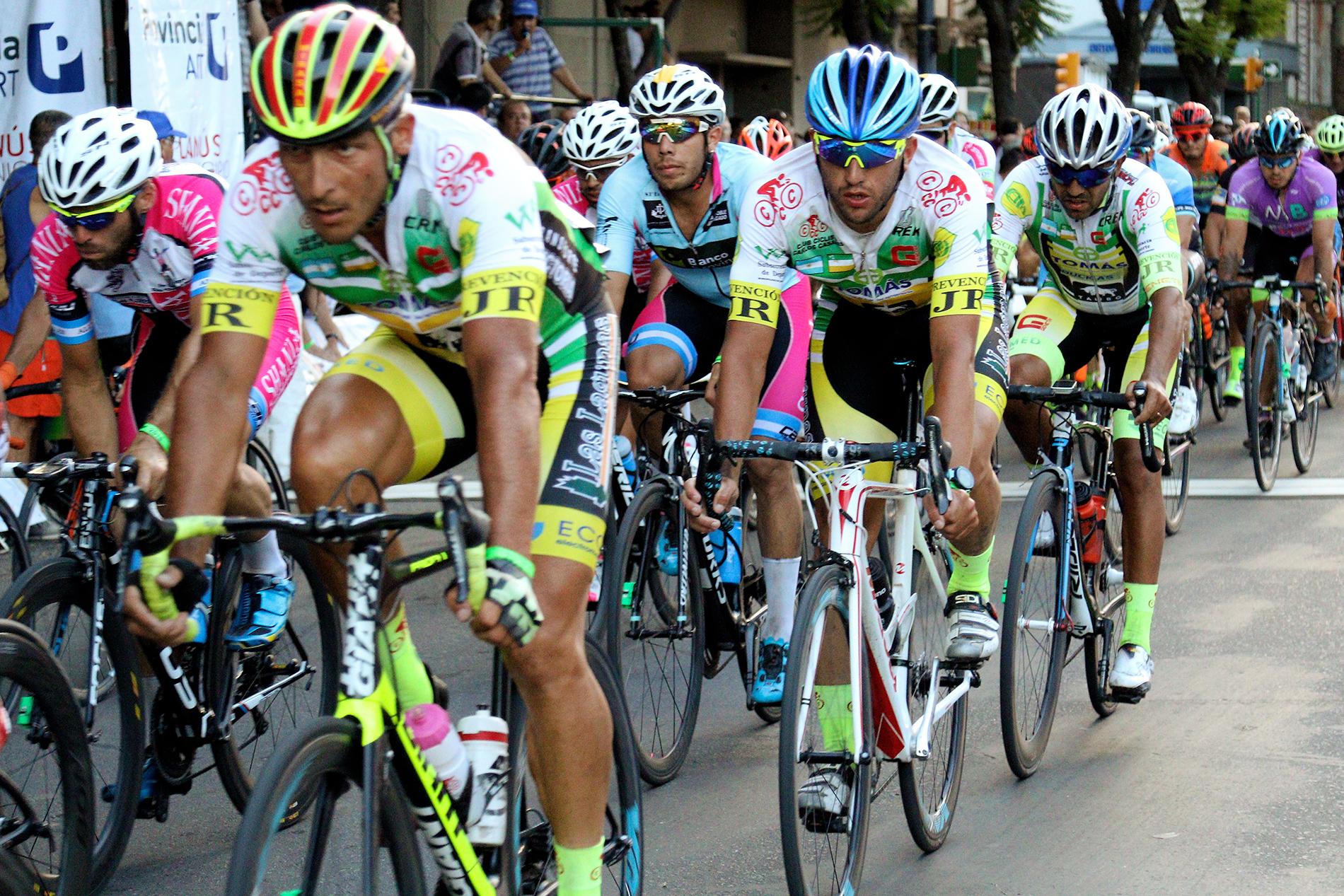 Más de 12 mil personas disfrutaron de la 83ª edición de la carrera ciclística Doble Bragado en Pergamino.  Tuvo lugar el martes 6 y miércoles 7 de febrero, y comprendió las 4 avenidas (Avenida de Mayo, Avenida Colón, Alsina y Rocha)