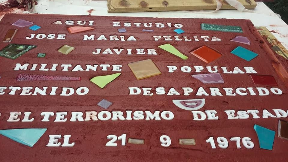 El último viernes se inauguró una nueva baldosa por la memoria en el ex Industrial en recuerdo de José María Pelilta. Dentro de la actividad se le solicitó al Concejo Deliberante que declare de Interés Municipal a la actividad.