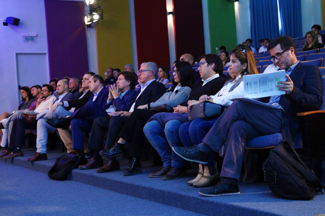 """El viernes a la tarde en la sede de la Unnoba el Intendente encabezó un seminario sobre prevención comunitaria denominado """"Pergamino, justa y segura""""."""