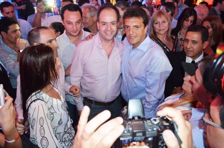 El dirigente del Frente Renovador, Martín Caso, prepara dos actos en respaldo a la candidatura de Sergio Massa para senador nacional. Los mismos se realizarán el domingo en la ciudad de Pergamino, y el próximo miércoles en el distrito de San Nicolás.