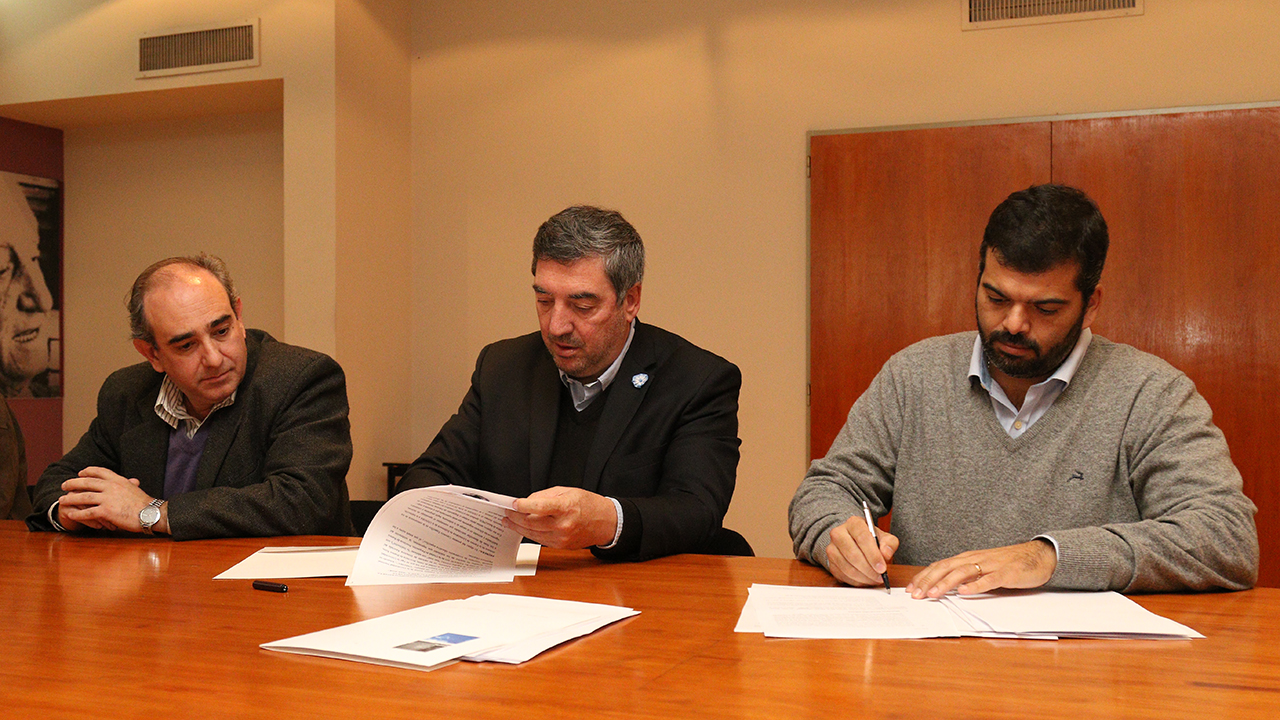 En la sede de la Unnoba, autoridades de la alta casa de estudios, del Hospital y del municipio firmaron un convenio para dar cumplimiento al ejercicio de las prácticas pre profesionales en la carrera de enfermería.