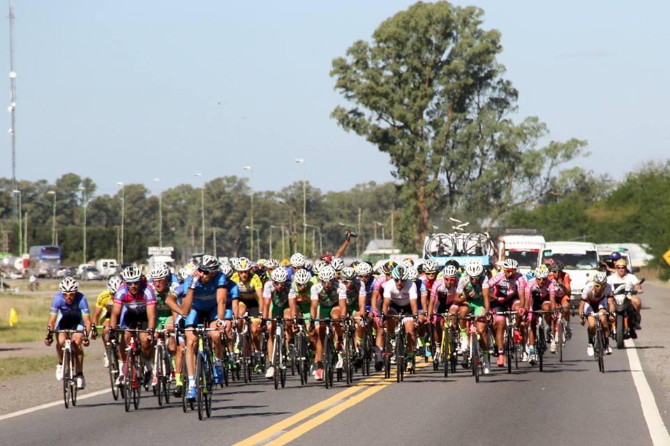 La reconocida competencia de ciclismo arriba este martes 6 de febrero a Pergamino para competir el día de mañana por las cuatro avenidas principales de la ciudad. La Dirección de Inspección  y Tránsito solicita a la comunidad respetar las indicaciones de tránsito.
