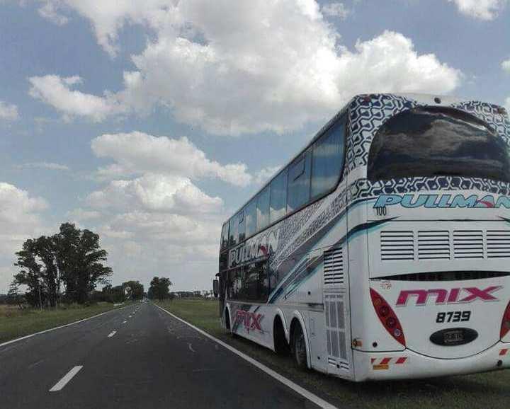 Una vez más, la empresa Pullman General Belgrano fue noticia, en esta oportunidad un coche que realizaba el recorrido Rosario- Junín perdió dos ruedas traseras en la ruta generando temor en los pasajeros.