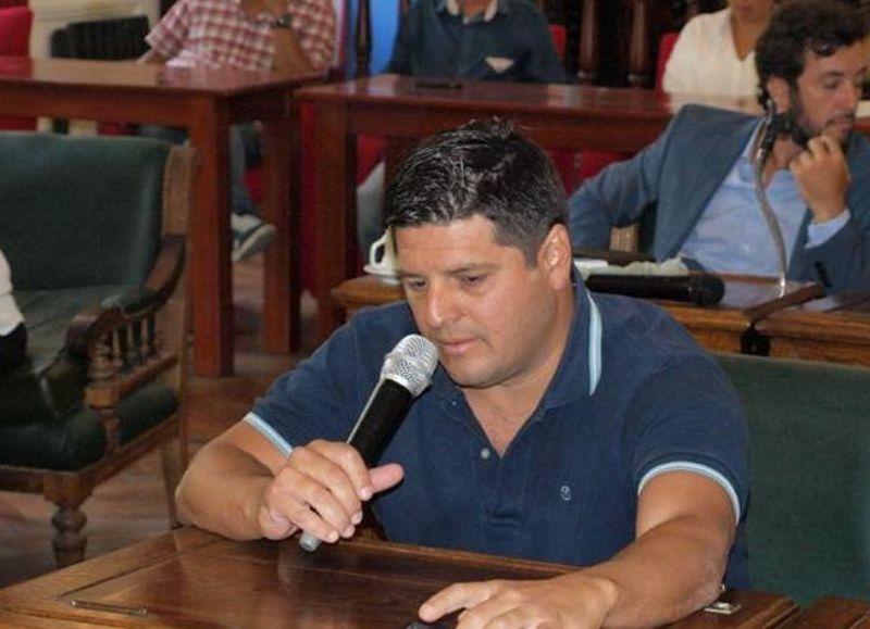 """La discusión por el pedido de los colectivos para viajar a """"Jóvenes y Memoria"""" llevó a Lisandro Bormioli (Unidad Ciudadana) a realizar un análisis de la situación no sólo nacional sino también internacional."""
