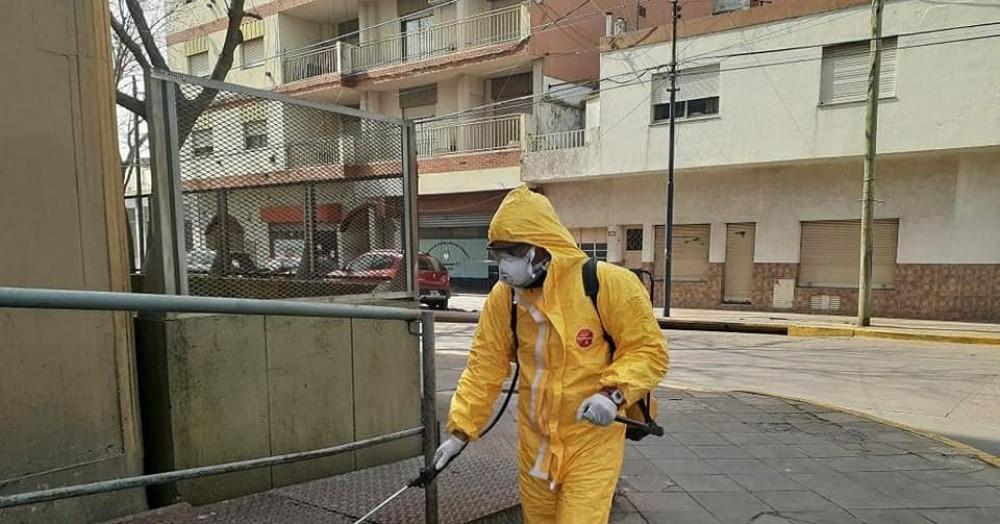 Labores de desinfección en la vía pública.
