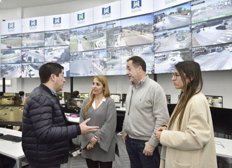 Ball Lima y Nardini recorrieron juntos el nuevo edificio para la seguridad de Malvinas Argentinas.