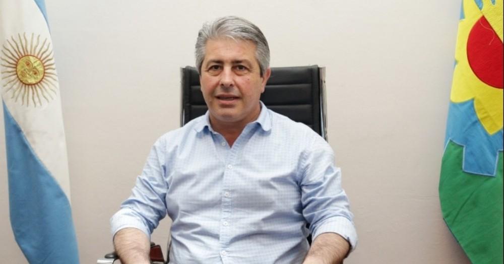 Javier Martínez, intendente.
