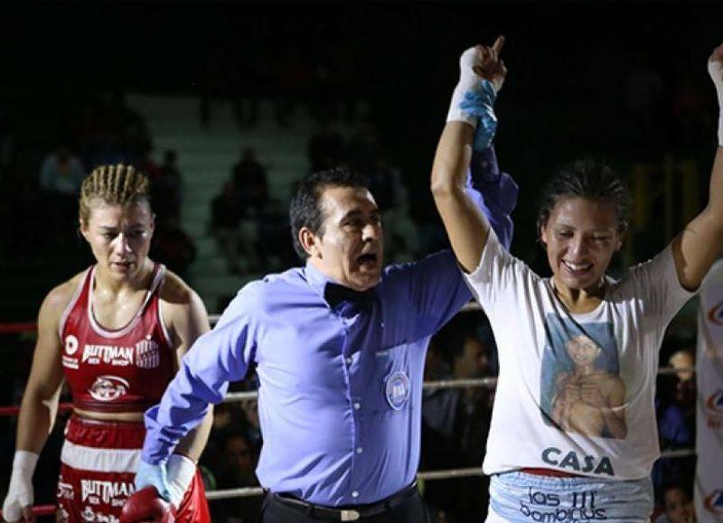 Reconocimiento a la boxeadora local.