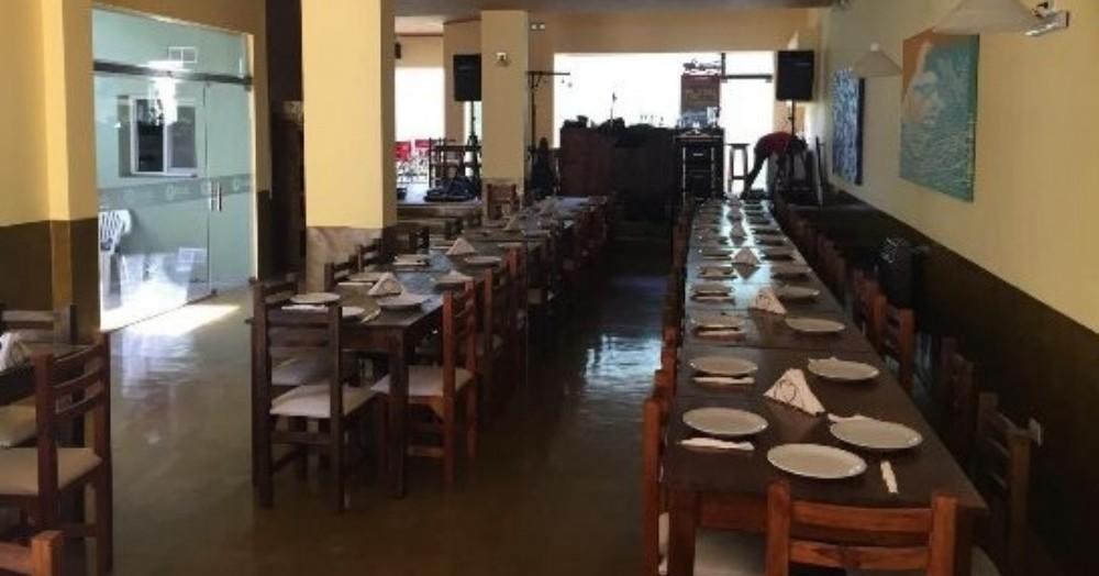 Los comercios gastronómicos todavía no fueron autorizados a prestar sus servicios.