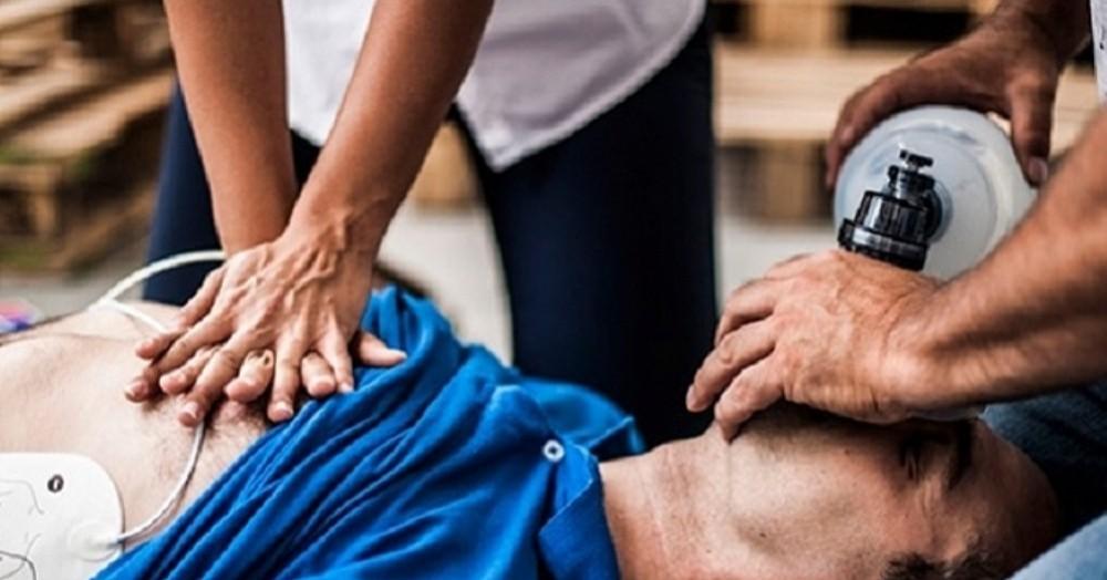 Se llevó a cabo una capacitación de RCP (Reanimación Cardio Pulmonar) a cargo de la dirección de Defensa Civil.