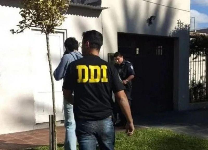 La víctima fue identificada como José Luis Arenas, cuyo cuerpo fue encontrado en una vivienda.