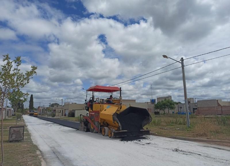 Con la intención de llegar a todas las calles de la ciudad, la Municipalidad sigue trabajando para el vecino.
