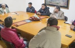 El intendente Ricardo Casi se comprometió a brindarles ayuda social.