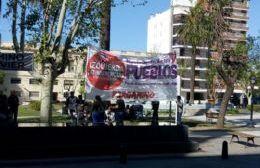 El Polo Obrero reclama materiales frente a la Municipalidad