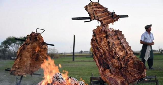 A comerla toda: con costillar incluido se viene el folklore a la región