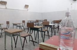 La escuela con docentes, con alumnos... pero sin clases