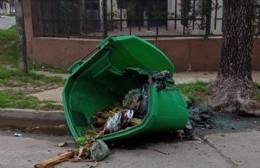 Nuevo acto de vandalismo contra un contenedor de residuos
