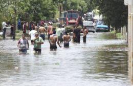 Por el temporal, colapsaron los desagües del Hospital interzonal San José y varias calles se inundaron.
