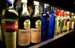 La venta de bebidas alcohólicas estará acotada.