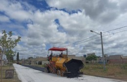 La Municipalidad realiza la demarcación vial y pavimenta las calles restantes