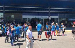 Barrios de Pie entregó petitorios en diferentes supermercados de la ciudad