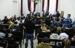 Los familiares de los presos que murieron asfixiados en la comisaría piden una condena ejemplar
