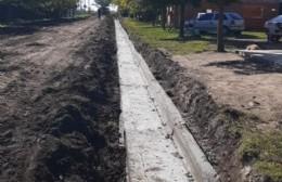 Cordón cuneta en los Barrio Otero y Villa Alicia