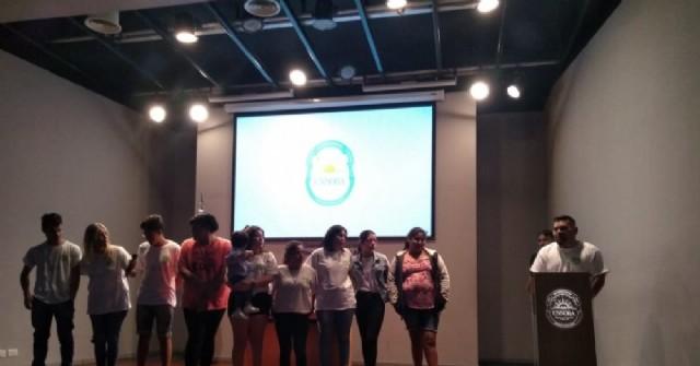 Los chicos de Envión y Cabaña Joven expusieron en la UNNOBA sus propios audiovisuales